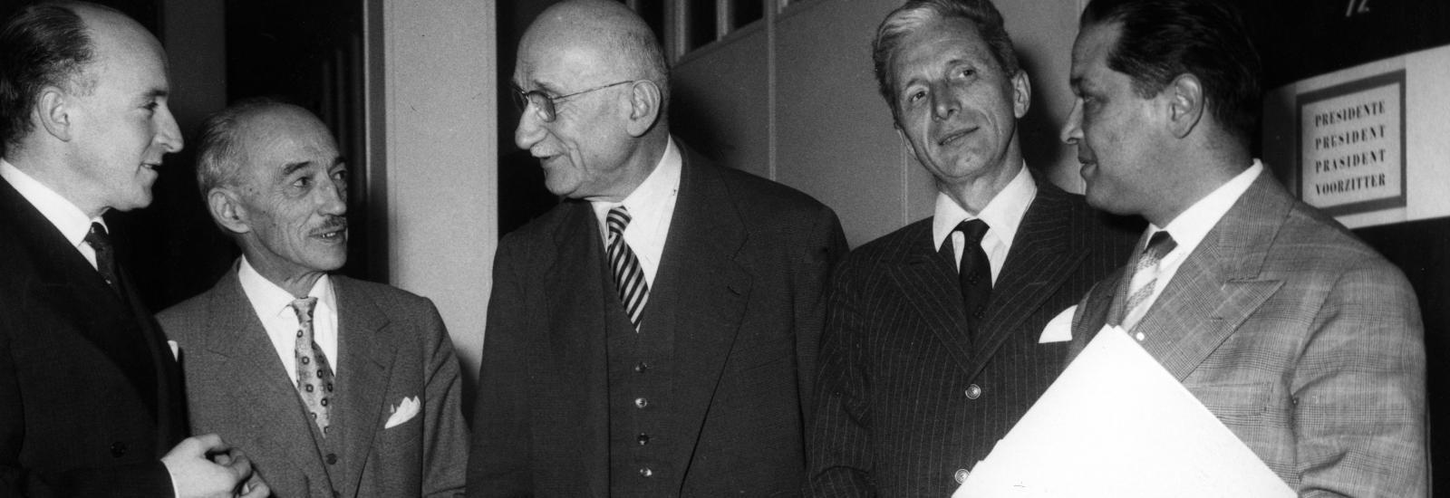 © Communauté européenne - Jean Monnet et Robert Schuman, deux des pères fondateurs de l'Europe.